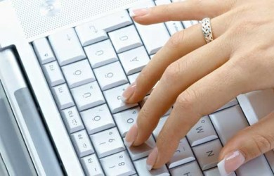 A person with a fear of intimacy may gravitate to cultivating online relationships